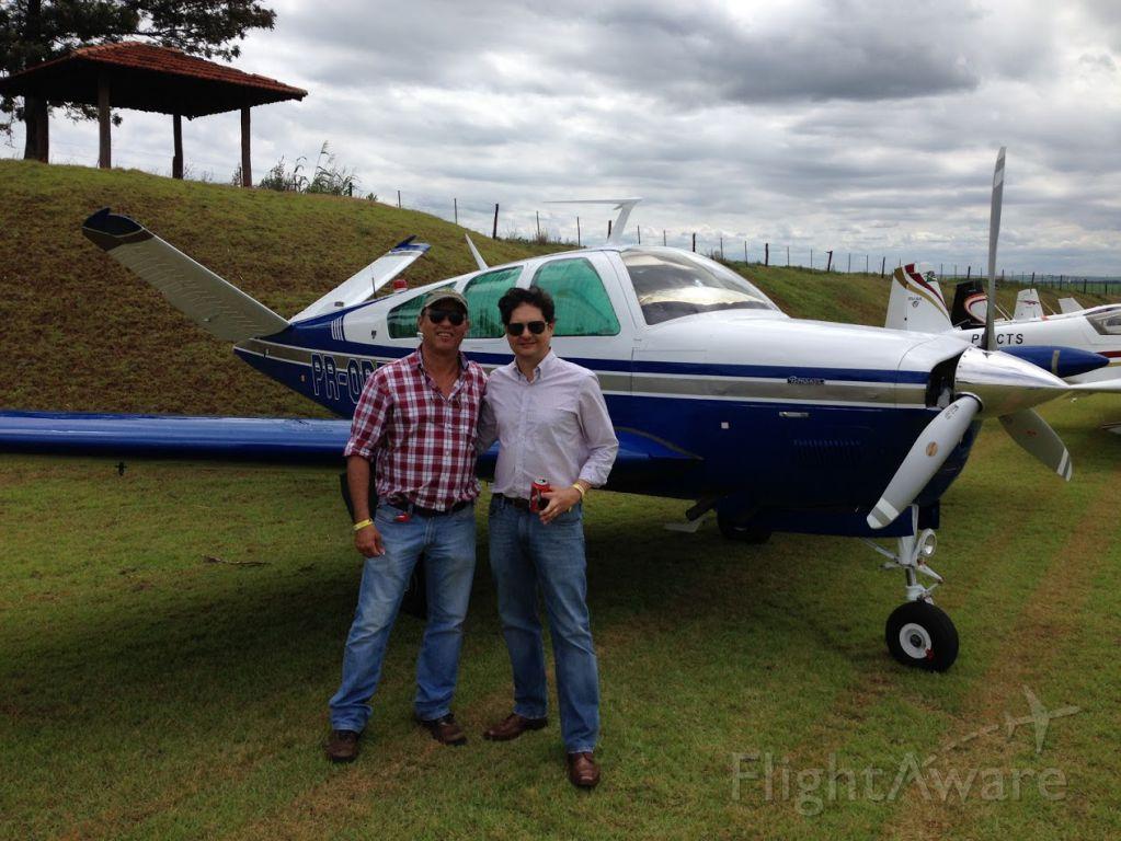 Beechcraft 35 Bonanza (PR-ODT) - Party day at Eagles Place beside Brazilian Bonanza Society