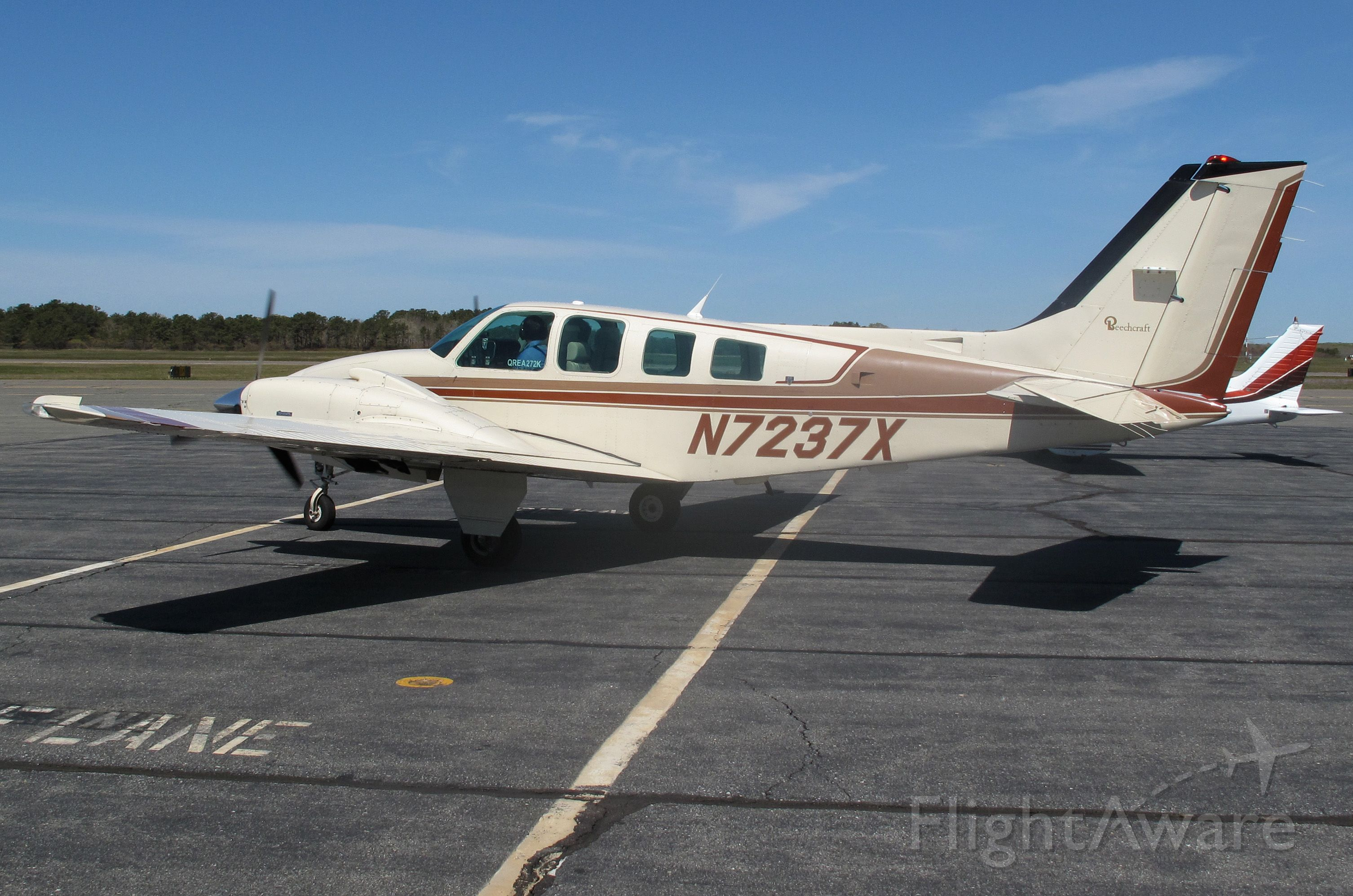 Beechcraft Baron (58) (N7237X) - One of RELIANT AIR