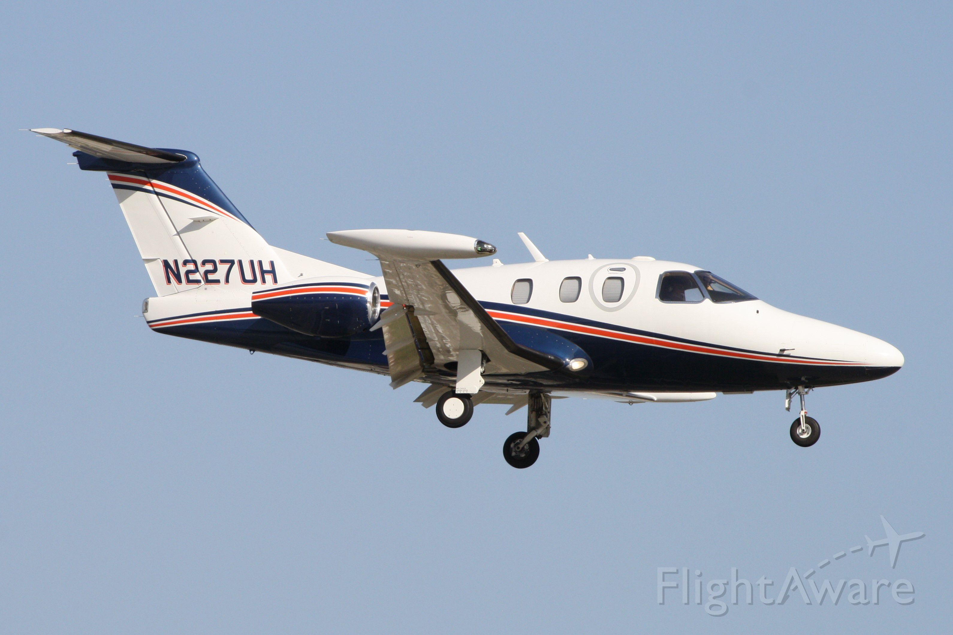 Eclipse 500 (N227UH) - Landing at John Wayne Airport 9/24/19.