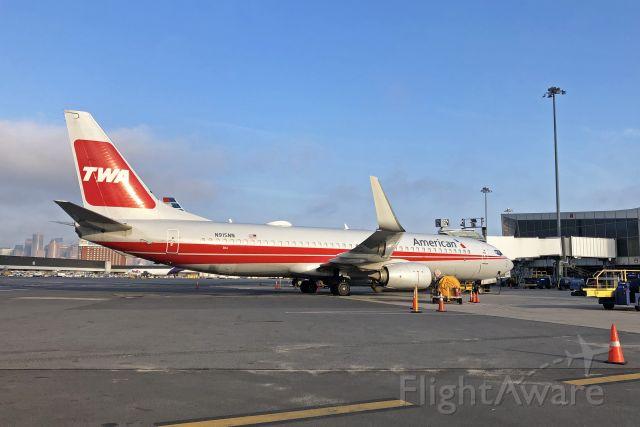 Boeing 737-800 (N915NN) - TWA Retro special 06/23/2020