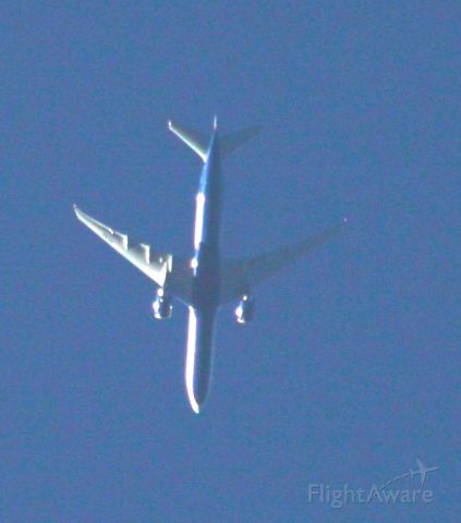 Boeing 777-200 — - 33,000 ft