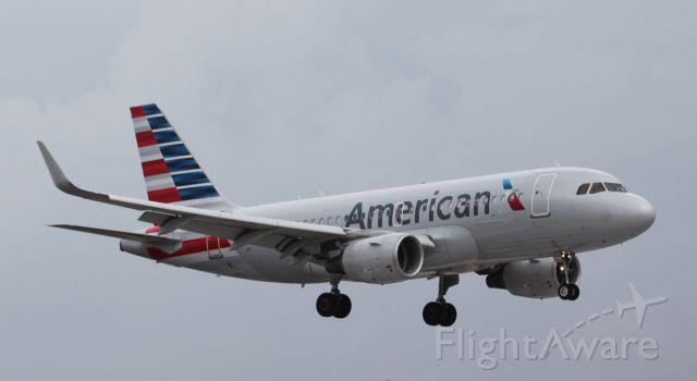 Airbus A319 (N8001N) - 04/22/18 landing at MIA