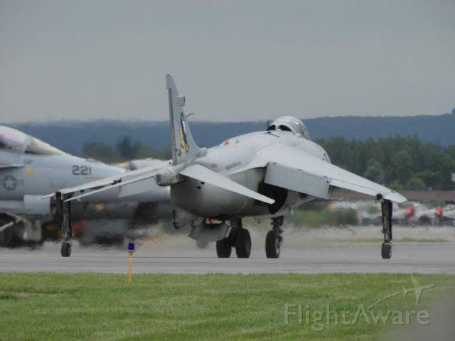 Boeing Harrier (N94422)