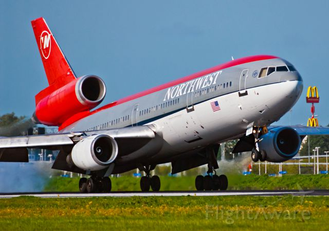 McDonnell Douglas DC-10 (N235NW)