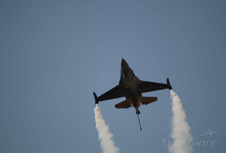 Lockheed F-16 Fighting Falcon — - SOLOTURK DEMO TEAM. ANKARA AIR BASE..(CAPITAL OF TURKIYE