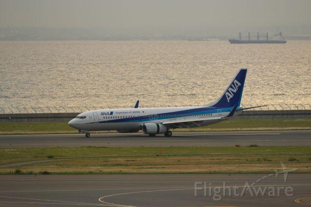 Boeing 737-800 (JA70AN)