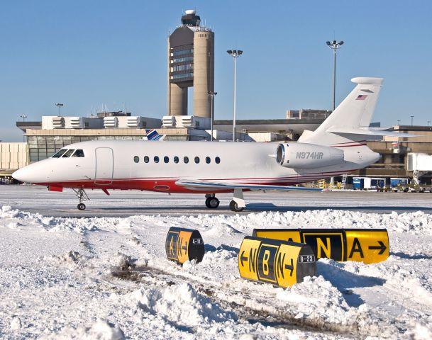 Dassault Falcon 2000 (N974HR) - Falcon and the Snow