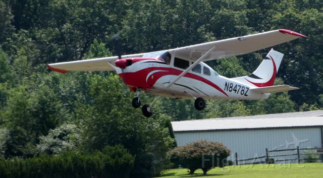 Cessna 205 (N8478Z) - Shortly after departure is this 1963 Cessna 210-5 (205A) in the Summer of 2019.