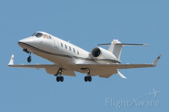Learjet 60 (N60RL)