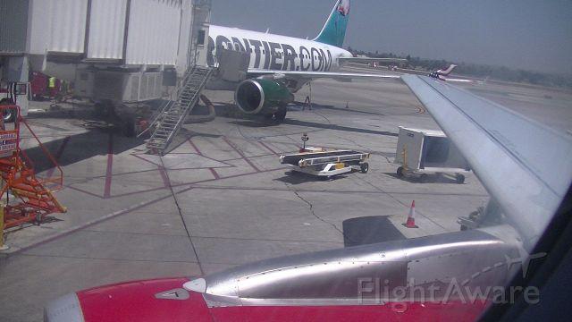 Airbus A320 (N845VA) - Gate 37A