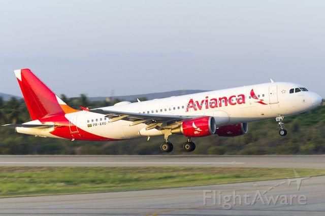 Airbus A320 (PR-AVU)