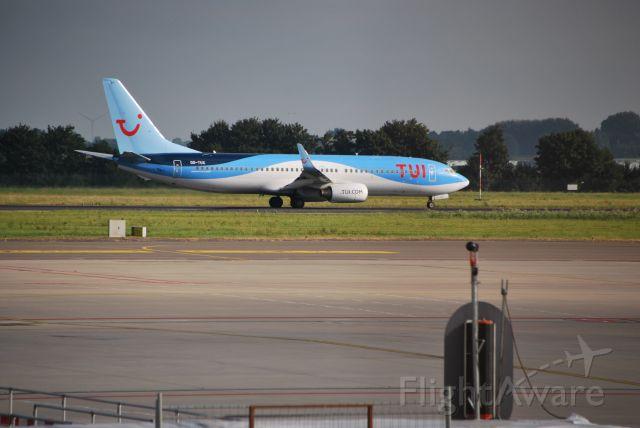 Boeing 737-700 (OO-TUX)