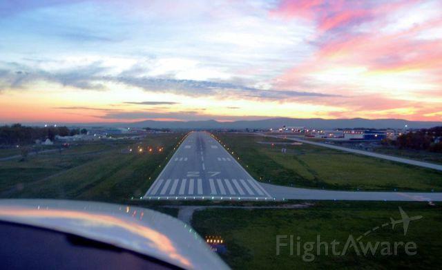 Cessna Skylane (N8487S) - Landing Hagerstown, MD
