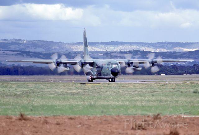 A97007 — - AUSTRALIA - AIR FORCE - LOCKHEED C-130H HERCULES (L-382) - REG A97-007 (CN 382-4787) - EDINBURGH RAAF BASE ADELAIDE SA. AUSTRALIA - YPED (17/9/1979) 35M SLIDE SCANED WITH A EPSON V700 PERFECT FLATBED SCANER AT 6400 DPI.