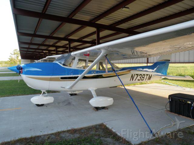 Cessna Skyhawk (N738TM)