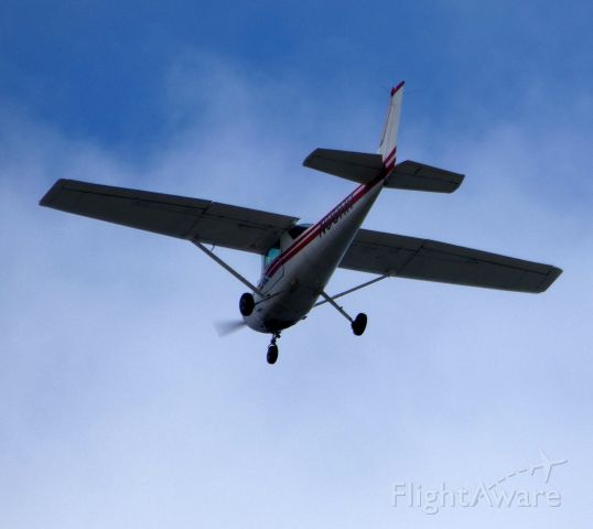 Cessna 152 (N99HR) - Passing by Monmouth County NJ shoreline is this 1978 Cessna 152 in the Summer of 2019.