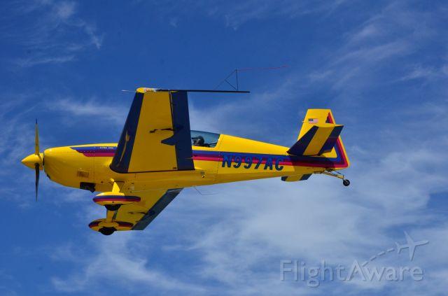 EXTRA EA-300 (N997AC)