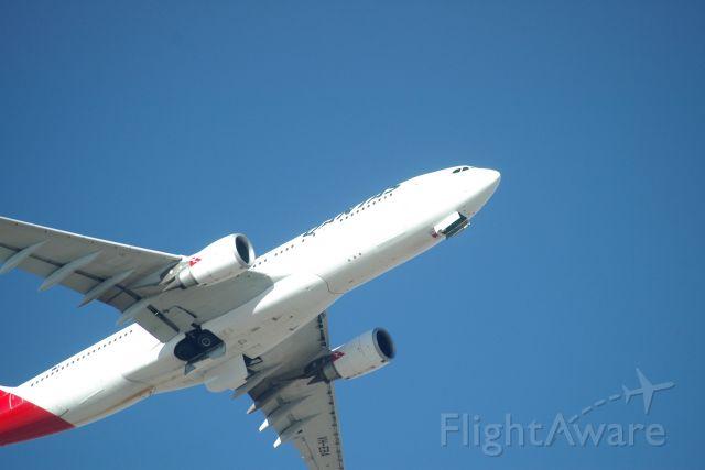 Airbus A330-200 (VH-EBA) - Qantas Airbus A330-200 taking off runway 21 at Perth Intl Airport