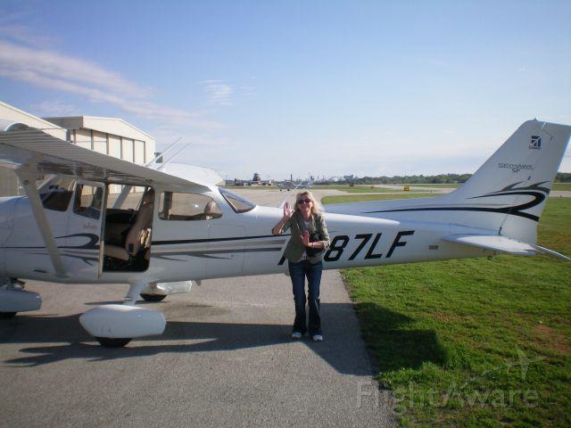Cessna Skyhawk (N787LF) - Jayne Taylor
