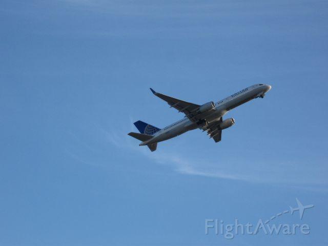 Boeing 757-200 (N48127)
