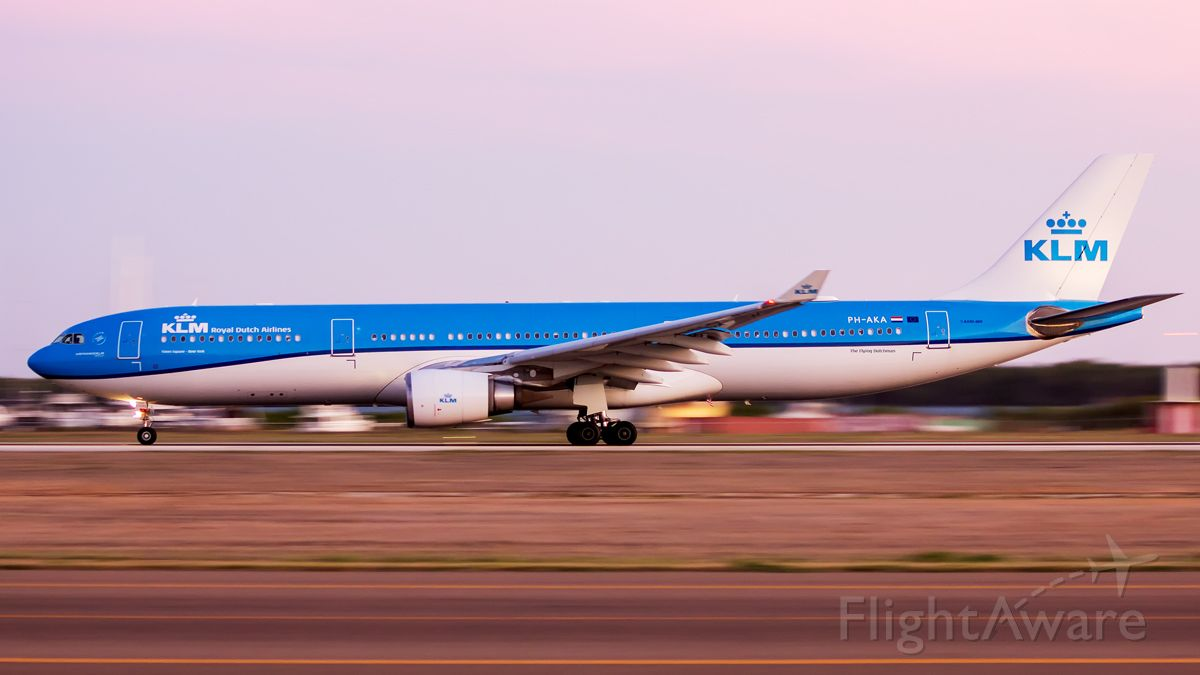 Airbus A330-300 (PH-AKA) - After sunset departure back to AMS!
