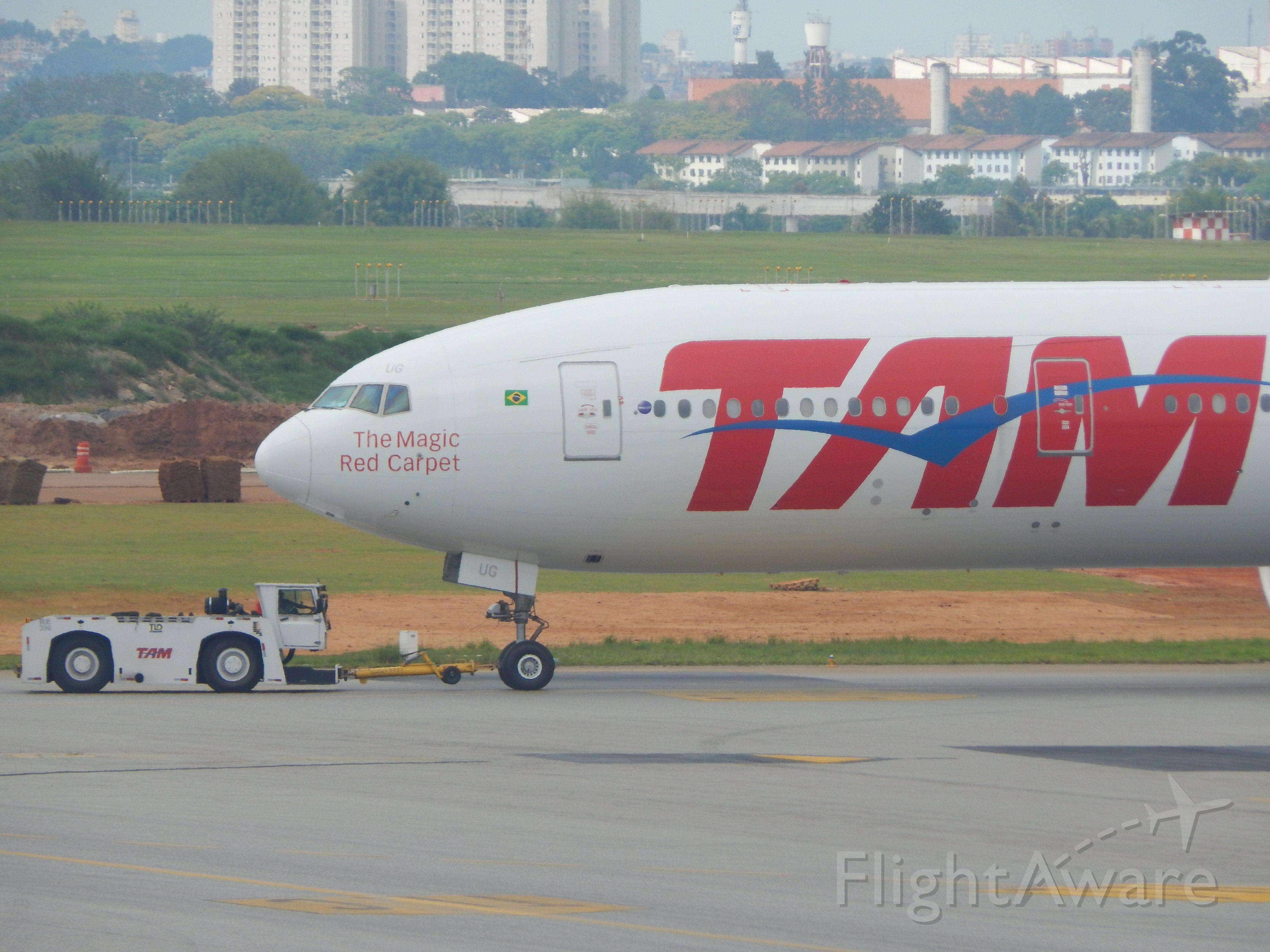 Boeing 777 (PT-MUG)