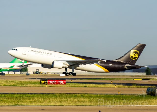 Airbus A300F4-600 (N142UP)