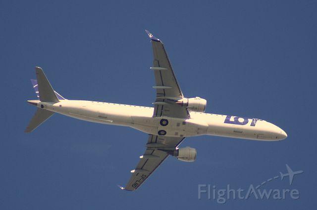 Embraer ERJ-190 (SP-LND) - Leiderdorp Holland 9 july 2017  8.25 a.m.