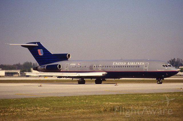 BOEING 727-200 (N7263U)