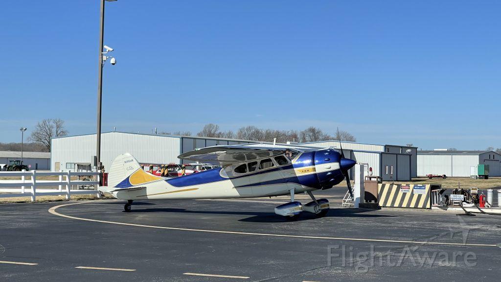 Cessna LC-126 (N195MK)