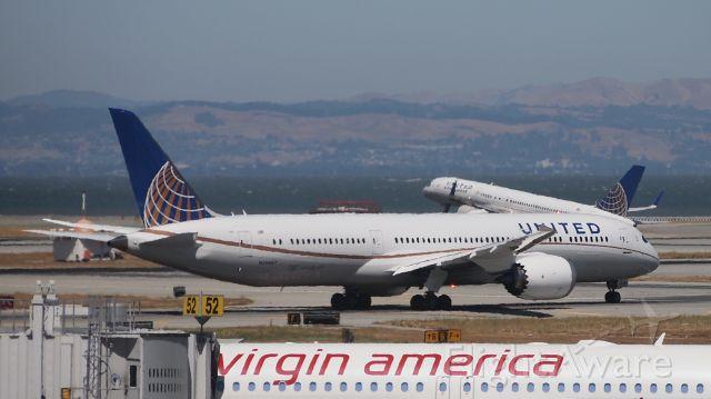 Boeing 787-9 Dreamliner (N26967)