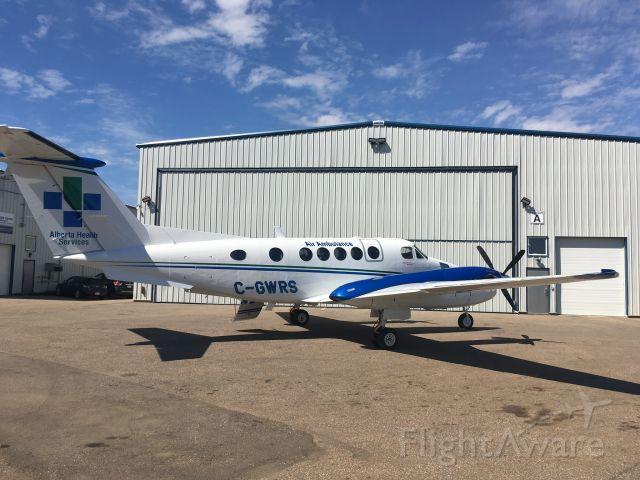 Beechcraft Super King Air 200 (C-GWRS)