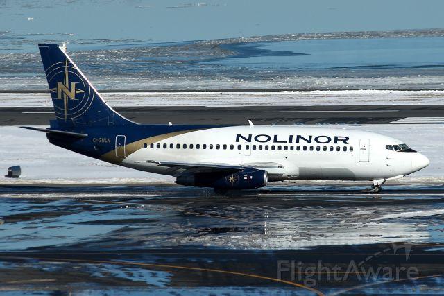 Boeing 737-200 (C-GNLN) -