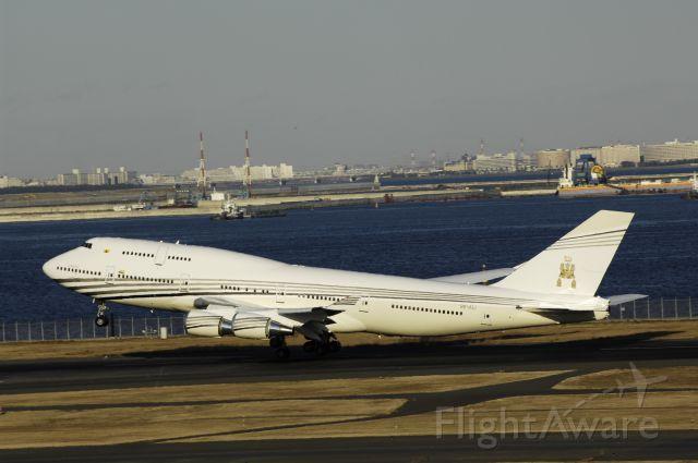 "Boeing 747-400 (V8-ALI) - Departure at Haneda Intl Airport Rnwy34R on 2013/12/15 ""The Sultans Flight"""