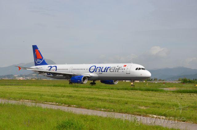 Airbus A321 (TC-OAN)
