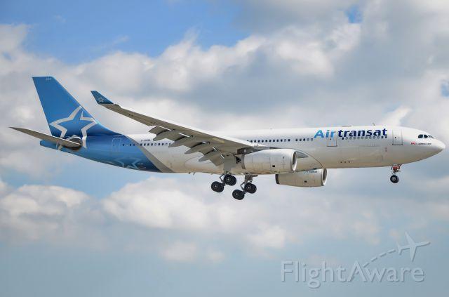 Airbus A330-200 (C-GUBL)