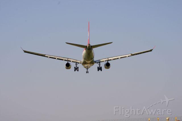Airbus A330-300 (B-6518)