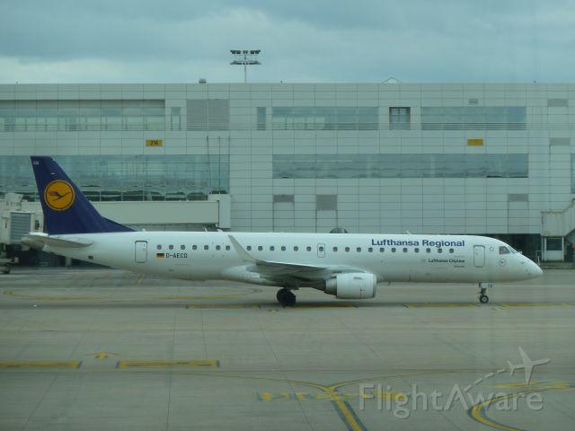 Embraer ERJ-190 (D-AECD)