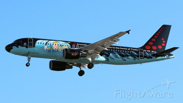 Airbus A320 (OO-SNB) - Rackham - Tintin c/s