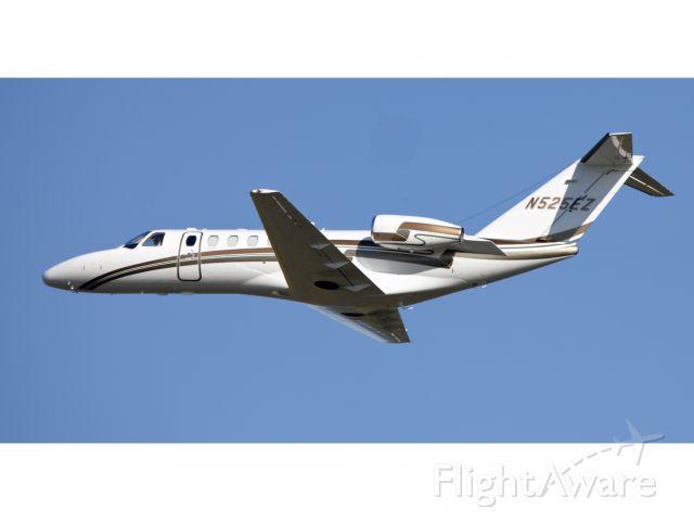 Cessna Citation CJ3 (N525EZ) - Take off RW 06.