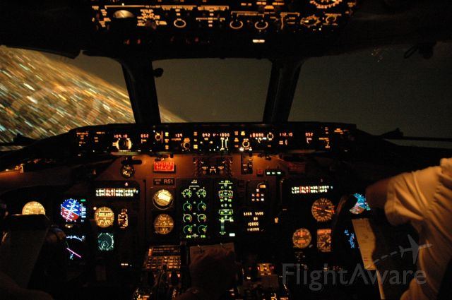 McDonnell Douglas MD-82 (N751RA)