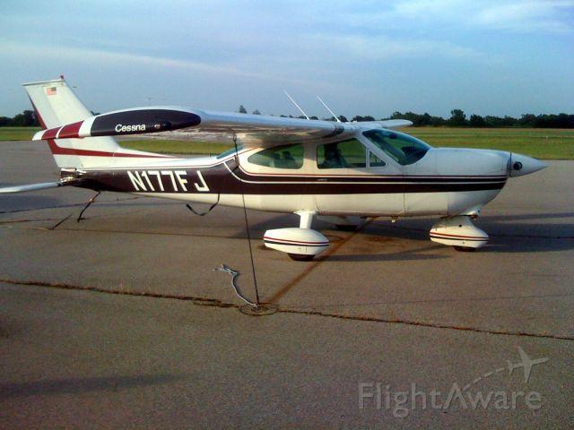 Cessna Cardinal (N177FJ)