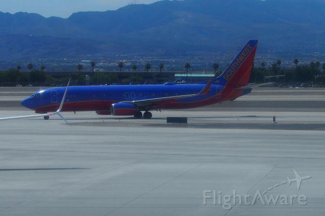 Boeing 737-700 (N8618N)