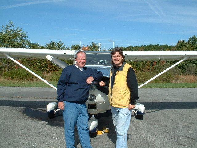 Cessna Skyhawk (N20032) - Stan & Bob - in search of good airport food!
