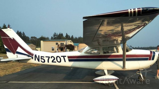 Cessna Skyhawk (N5720T)