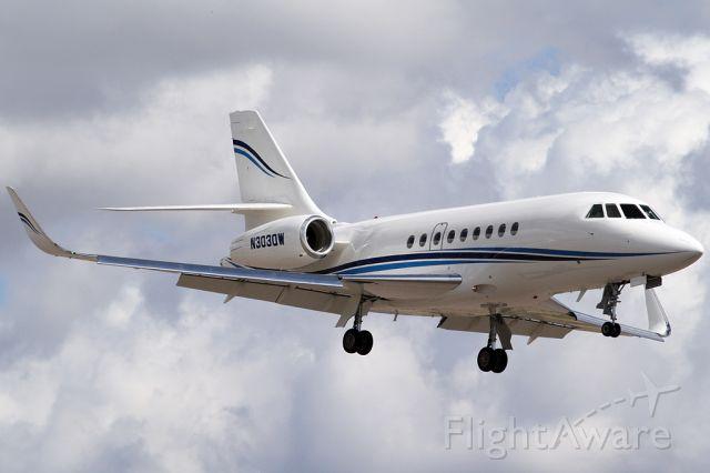 Dassault Falcon 2000 (N303QW)