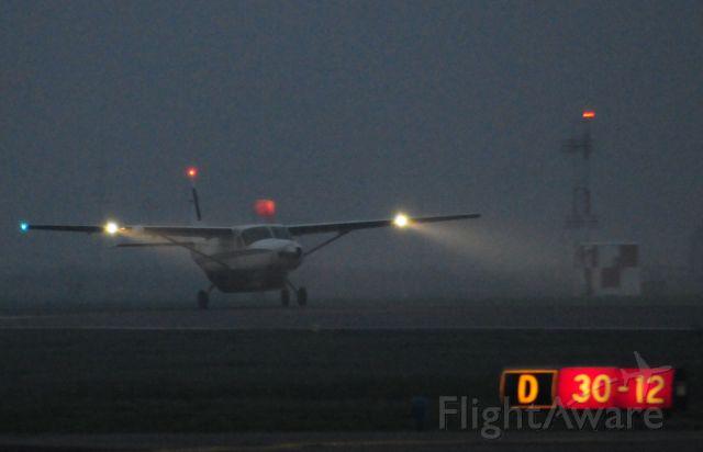 Cessna Caravan (BXR1572) - Foggy Winter morning at Merced Regional Airport