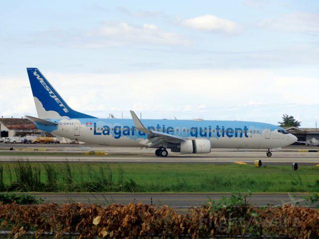 Boeing 737-800 (C-GWSZ)