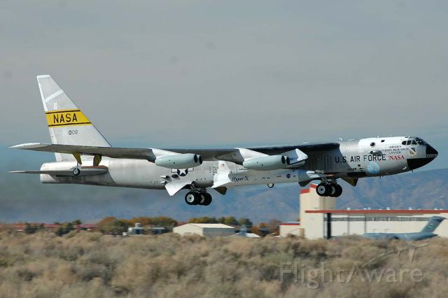 Boeing B-52 Stratofortress (52-0008) - Boeing NB-52B 52-0008 making its final take-off with the third X-43A Hyper-X mission at Edwards Air Force Base on November 16, 2004.