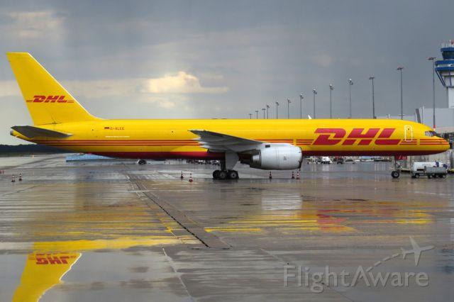 Boeing 757-200 (D-ALEE)